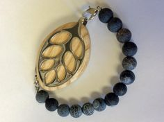 Frosted Agate Grey/Black Beaded Bracelet for the Bellabeat LEAF by LadyLeafCo #bellabeatleaf