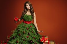 O Christmas Tree. Planners, Ball Dresses, Formal Dresses, Diy Beauty Treatments, Mothers Day Breakfast, Sugar Scrub Diy, Beauty Background, Beauty Tips For Face, Xmas