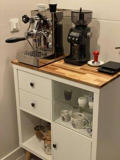 Coffee Bar Home, Coffee Corner, Malm Bed, Diy Rangement, Ikea Bed, Ikea Furniture, Furniture Makeover, Shelving, Room Decor