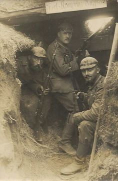 German troops in ww1. Unknown location. les troupes allemandes en ww1. Lieu inconnu.