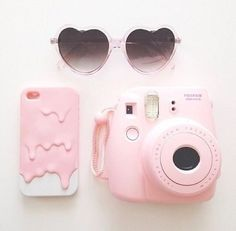 Pink camera, pink dripping phone case, richelinet
