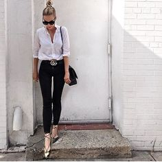 WEBSTA @ chique_fashion_trends - Lovely @brooklynblonde1 🔝 via @absolutely4woman ✔️ #fashion #fashionblogger #fashionista #fashioninspiration #fashionbaby #instafashion #instastyle #instafamous #instapic #ootd #outfitoftheday #beautifulwomen #blondhairdontcare #beauty #stylish #black #white