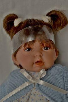 Realistická panenka holčička - Petit Pirris tmavé vlásky od Antonio Juan