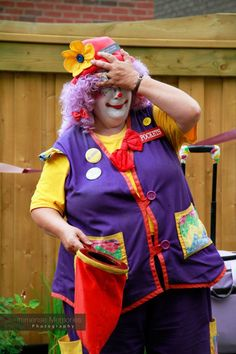 silly magic show with www.pocketstheclown.ca