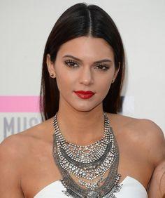 Kendall Jenner hair at AMAs