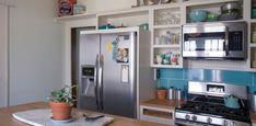 FOTOINŠPIRÁCIA: Lacná kuchyňa plná dobrých nápadov | LepšieBývanie.sk Kitchen Cabinets, Table, Furniture, Home Decor, Decoration Home, Room Decor, Kitchen Base Cabinets, Tables, Home Furnishings