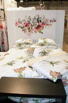Jukka Rintala Finland, Towels, Fabrics, Gift Wrapping, Quilts, Blanket, Pillows, Bedroom, Fashion Design