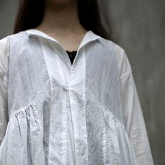 arts & science - square gather blouse, white cotton>>>for a long top or dress over dress. J.Reid-English