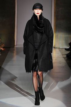 6267 - Fall 2007 Ready-to-Wear Collection