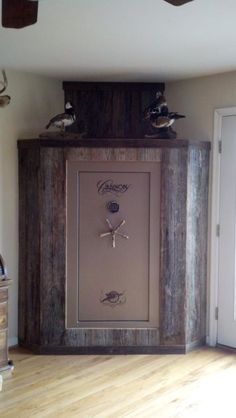 Barn Wood/Gun Safe& that& a nice room accent! Source by cbrat The post Barn Wood/Gun Safe& that& a nice room accent! appeared first on Rose Kitchen Countertops.