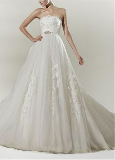 CHIC TULLE A-LINE STRAPLESS WEDDING DRESS WITH LACE APPLIQUES BEADINGS RHINESTONES LACE BRIDESMAID