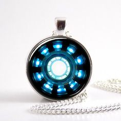 US Movie Iron Man Arc Reactor Necklace Tony Stark bronze / silver chain Pendant Avengers Age of Ultron jewelry dr who Chain Pendants, Glass Pendants, Pendant Jewelry, Pendant Necklace, Necklace Chain, Man Necklace, Sword Necklace, Glass Jewelry, Jewelry Necklaces