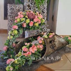 Pracownia florystyczna DecoWianka proponuje Państwu nietuzinkowe kompozycje dekoracyjne. Flower Decorations, Funeral, Floral Wreath, Wreaths, Spring, Flowers, Art, Floral Arrangements, Flower Arrangements