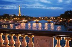 🇫🇷 The Eiffel Tower and the Seine from Pont Alexandre III bridge | Paris, France
