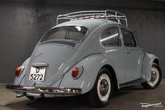Volkswagen – One Stop Classic Car News & Tips Volkswagon Van, Vw Beetle Convertible, Vw Super Beetle, Best Classic Cars, Vw Cars, Vw Beetles, Vintage Cars, Vespa Girl, Girl Travel