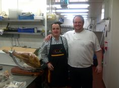 This morning we had the opportunity to meet Matthew Tomkinson @MTomkinsonChef (Head Chef of The Montagu Arms in Beaulieu and Roux Scholar) We´ve made a demonstration of our ham. It was a great pleasure to meeting him. Thank you very much. Jamón Iberico de Bellota, Cebo y Jamón Serrano. www.spanishhammaster.co.uk