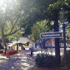 Der Aufbau fürs Sommerfest auf dem Plätzchen beginnt ;-) #duesseldorf #bilk #urban