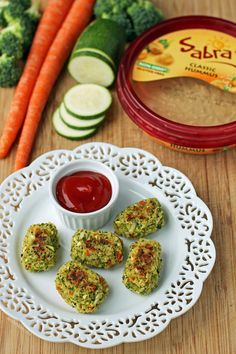 These Hummus Veggie Tots are the perfect healthy vegetarian snack, appetizer or side dish. Just 116 calories or 3 Weight Watchers SmartPoints per serving!