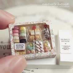 """16.9k Likes, 153 Comments - Nunu's House (@nunus_house) on Instagram: """"お菓子のギフトセット🍭 これをリメイクする予定です。 #miniature #ミニチュア #kawaii #sweet #sweets  #お菓子#ギフト #マカロン #instagramjapan"""""""