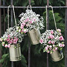 Tin can garland - gold - 5 pieces- Girlande aus Blechdosen – gold – Decorative, golden wedding cans as wedding decoration or flower pots for romantic highlights. Country Style Wedding, Rustic Wedding, Shabby Chic Wedding Decor, Wedding Vintage, Trendy Wedding, Our Wedding, Table Wedding, Wedding Cakes, Wedding Ideas