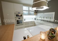 Silestone Blanco Zeus, Kitchen Island, Home Decor, Island Kitchen, Decoration Home, Room Decor, Home Interior Design, Home Decoration, Interior Design
