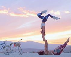 Thess Pictures Prove That Burning Man Is the Perfect Place For Meditation and Yoga Lovers.