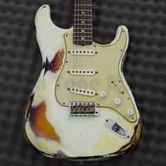 Fender Custom Shop 60s Heavy Relic Strat - Olympic White/Sunburst - Rich Tone Music