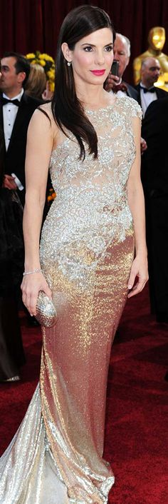 Sandra Bullock 2010 Oscar Red Carpet