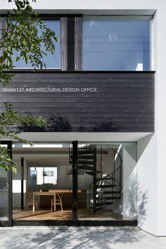 鈴木 宏幸(建築家)が執筆したコラム「竣工写真「外観編」~高崎Mさんの家」のページです。