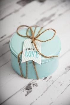 Some Beautiful Gift Wrap For Your Loved Ones:- Wanderlust Fashion . Cookie Packaging, Gift Packaging, Photobooth Ideas, Little Presents, Pretty Packaging, Simple Packaging, Duck Egg Blue, Tiffany Blue, Creative Gifts
