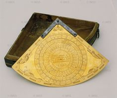 Josuah Habermel (attr.) (16th century) Quadrant, after 1582 Florence, Istituto e Museo di Storia della Scienza, inv. 2518  A small instrument with a double graduation on the edge for measuring heights and distances. On the back is a table for computing Easter according to the Gregorian calendar.