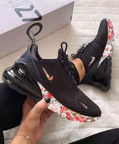 Jul 2019 - AIR MAX 270 Floral Step forward in a fresh silhouette that pays homage to two Nike Air Max classics with a pair of Air Max 270 shoes. Inspired by the iconic designs of the Air Max 180 and the Air Max Hype Shoes, Women's Shoes, Me Too Shoes, Shoe Boots, Shoes Style, Cool Nike Shoes, Black Nike Shoes, Yellow Shoes, Jordan Shoes Girls