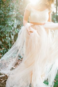 Tulle wedding dress.    Lora Grady Photography | Bridal and Wedding Planning Resource for Seattle Weddings | Seattle Bride Magazine