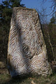 ✯ Rune Stones: Fraujo .. By ~Fibacz✯