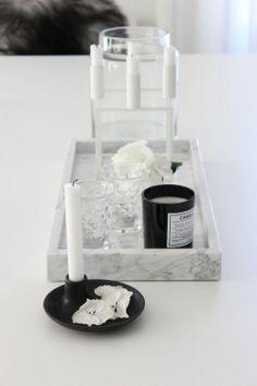 Carrara Marmor in der Dekoration - Neu dekoration stile Carrara marble in the decoration Interior Accessories, Interior Styling, Interior Decorating, Marble Collection, Marble Interior, Marble Tray, Carrara Marble, White Marble, By Lassen