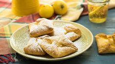 Puff pastry quark pockets - recipe with picture - Backrezepte - Greek Recipes Desserts Français, French Desserts, French Toast Bake, French Toast Casserole, Greek Recipes, Real Food Recipes, French Recipes, Brownie Bites Recipe, Toast Pizza