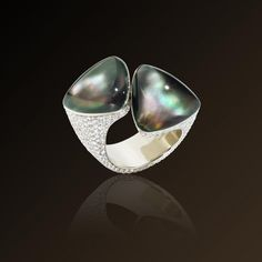 Freccia - Vhernier, Ring in rose gold, diamonds, grey mother of pearl and rock crystal. Made in Italy