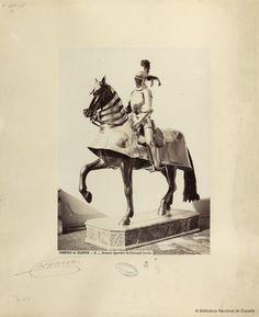 Armure équestre de Fernand Cortes. Laurent, J. 1816-1886 — Fotografía — 1868?