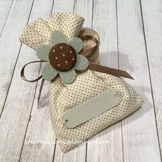 Bomboniera con sacchetto in stoffa e spilla in feltro