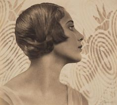 'Margaret Vyner' photographed by Harold Cazneaux