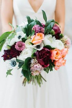 timeless fall wedding bouquet