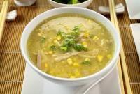 Soupe chinoise aux vermicelles et champignons noirs