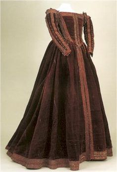 """Petticoat [sottana] with sleeves, Italian (Pisa), c.1560. Museo di Palazzo Reale. """"The petticoat is made up of bodice, skirt (falda) and detached sleeves. The latter are decorated with small vertical slashes. The arrangement of the embroidered bands is identical to that of Eleonora's funeral dress, as indeed is the tailoring."""""""