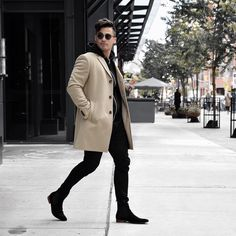 50 Stunning Mens Winter Boots Ideas to Keep Your Feet Warm - Aksahin Jewelry Chelsea Boots Outfit, Mens Winter Boots, Winter Fashion Casual, Stylish Men, Mens Fashion, Fashion Trends, Casual Wear, Cool Style, Street Wear