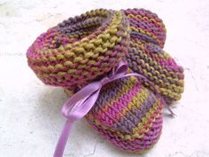 "My ""go to"" bootie to make. Quick and easy. Baby Booties Knitting Pattern, Knit Baby Booties, Baby Knitting Patterns, Knitting Socks, Free Knitting, Crochet Patterns, Knitting For Kids, Knitting Projects, Crochet Projects"