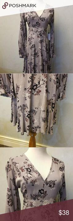 NWT Astr the label grey floral dress dress Brand new with tags grey floral dress Astr the label  Dresses Midi