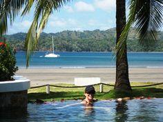 Villa Marina Retreat at Playa Venado Panama is a paradise for nature lovers who enjoy secluded beaches, horse back riding, diving, fishing, surfing, hiking & nature walks