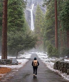 Hotels-live.com/pages/sejours-pas-chers - Yosemite National Park Photo by @tiffpenguin #awesomedreamplaces Hotels-live.com via https://www.instagram.com/p/BFRQrz1FNoA/