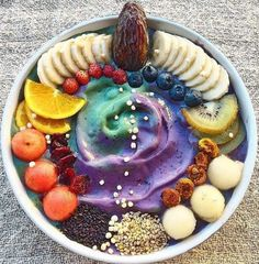 Galaxy Smoothie Bowl - Cosmic Food Creations That Are Stunningly Galactic - Photos