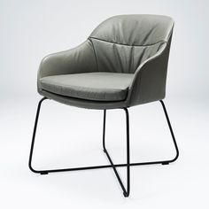 Casper Lounge Chair: Inspired by the interplay of soft, rounded lines with ovals - A true memorabilia that settles in the mind. Dog Furniture, Outdoor Furniture, Patchwork Chair, Black Forest Decor, Danish Design Store, Outdoor Chairs, Outdoor Decor, Design Studio, Side Chairs